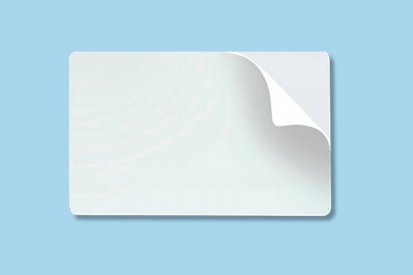 Tarjetas PVC de Plástico – ¿Laminadas Brillo o Mate?